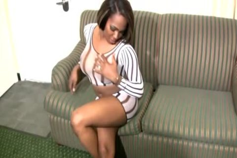 ebony shemale Shakes enormous wazoo And Jerks ramrod