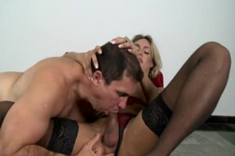blond lady-man Camyli Victoria gets gangbanged