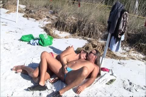 Jamie And Michelle TS suck Each Other At The Beach!