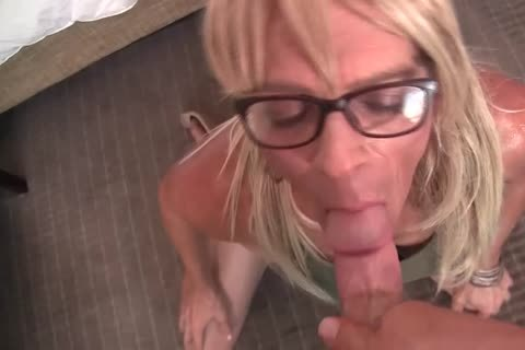 mature Crossdressers suck And dril