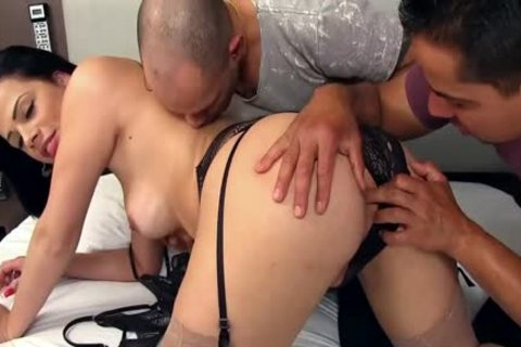 nice-looking sheboy Bruna Castro Sucks And pounds Two Delivery men