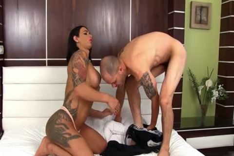 Raven Haired tranny Rosy Pinheiro fucks Her Boyfriend Up The butthole