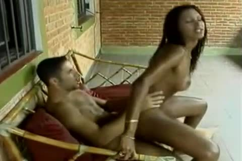 Latino chap And tranny pokeing tight Outside