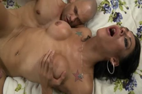 Brazilian shemale receives Her taut wazoo nailed Deeply