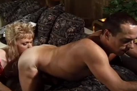 blond shelady receives poked On The bed